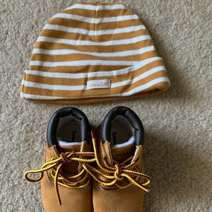 Infant timberlands and hat